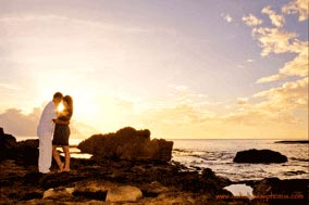 Hawaii Photographer on location Sunset photo sessions