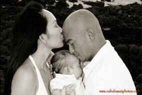 Black and White Newborn family Photo Makapuu Beach Oahu Hawaii