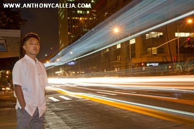 light trails Senior Portraits Honolulu