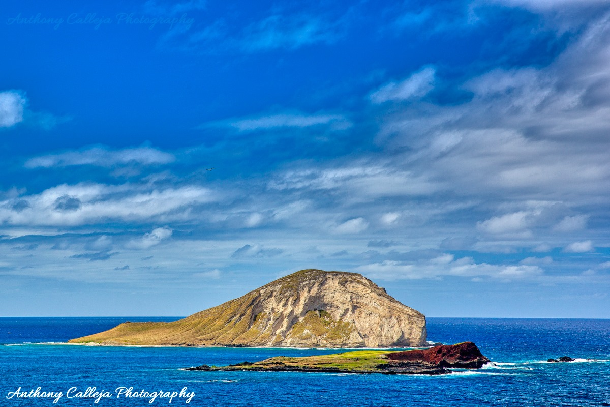 Photo of Rabbit Island photographed from Makapuu Lookout, Oahu, Hawaii