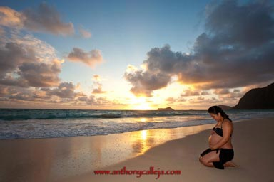 Sunrise Maternity Photography Portrait Waimanalo Beach Oahu Hawaii