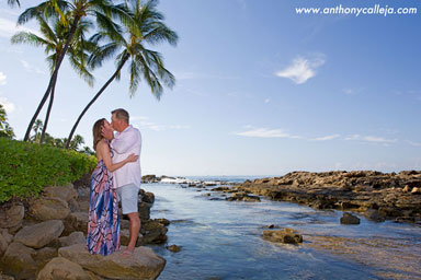Oahu Honeymoon Portrait
