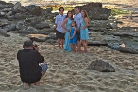 Oahu photographer Anthony Calleja on location sunset family photo session