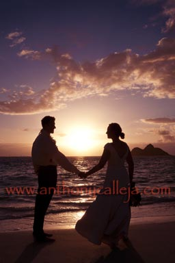 Honolulu Beach Wedding Portrait Photographers