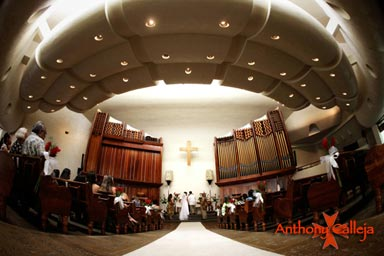 Honolulu Chapel Wedding Photography