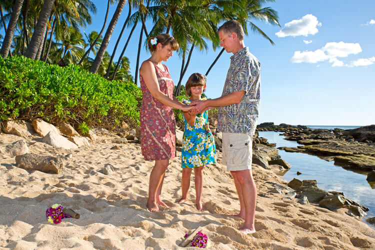 Oahu Vow Renewal, Paradise Cove beach Koolina, Oahu, Hawaii